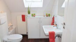 Łazienka na poddaszu – wady i zalety